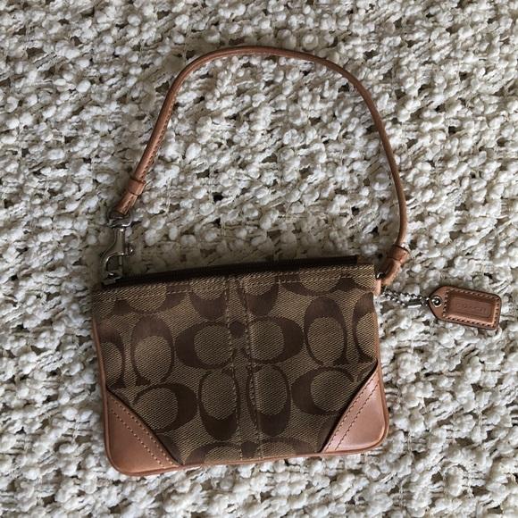 Coach Handbags - Coach zippered wristlet
